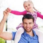 הורה מאמץ והילדה שלו