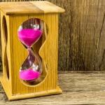 שעון חול שמדמה את הזמן שחולף עד ליום המנוחה